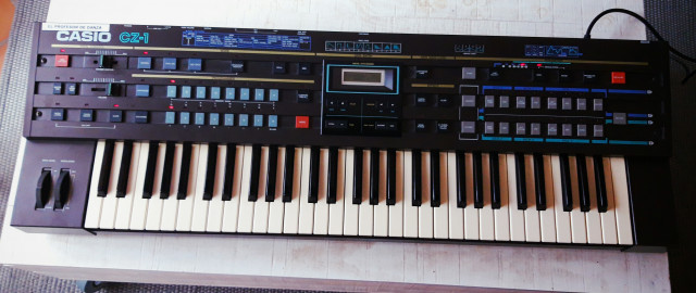 Casio CZ1 impecable