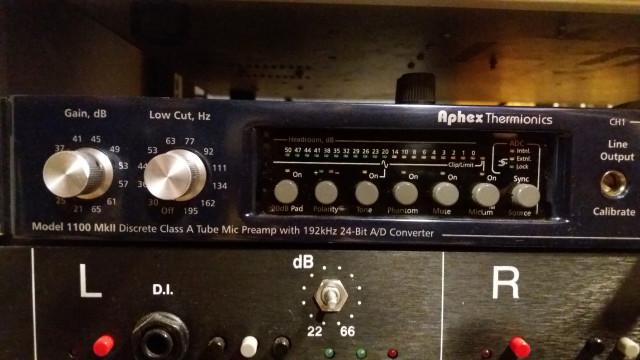 Aphex Model 1100 Thermionics Mic Preamp Válvulas con conversor 24bits