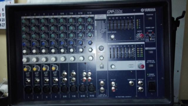 Equipo de voces Yamaha EMX 512SC