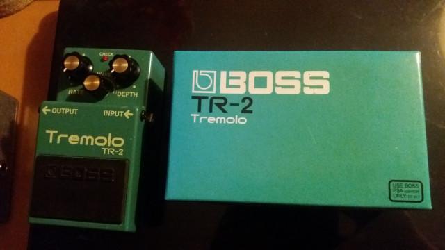 Tremolo Boss tr-2