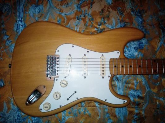 Morris Stratocaster japonesa 1980