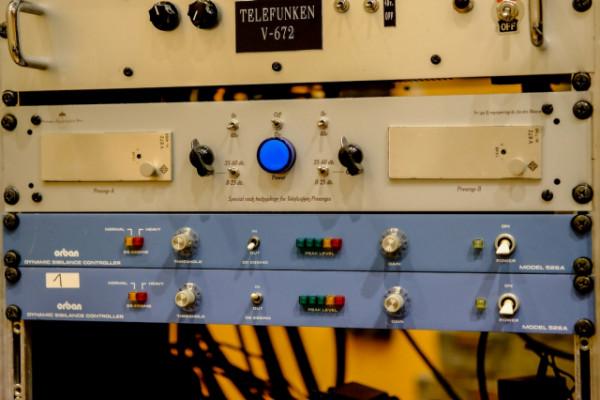 Telefunken V672 pareja enrackada Nuevos