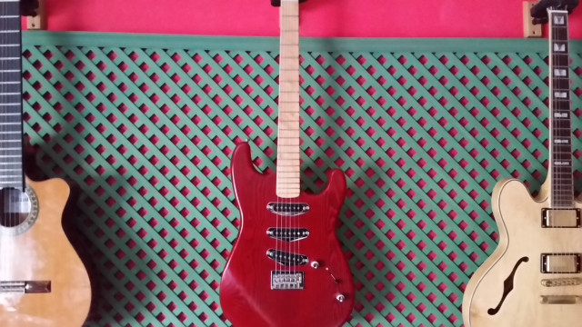 STRATOCASTER MOD. CHERRY SPECIAL LUTHIER FRANFRET