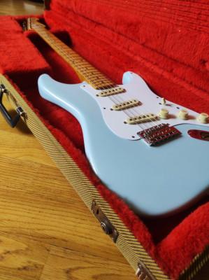 O cambio Fender Stratocaster Vintera 50's