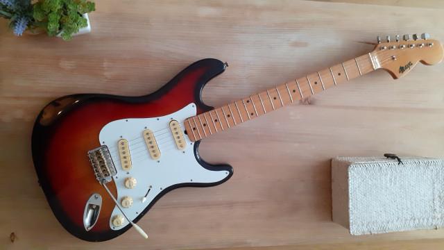 Stratocaster Maya 80's