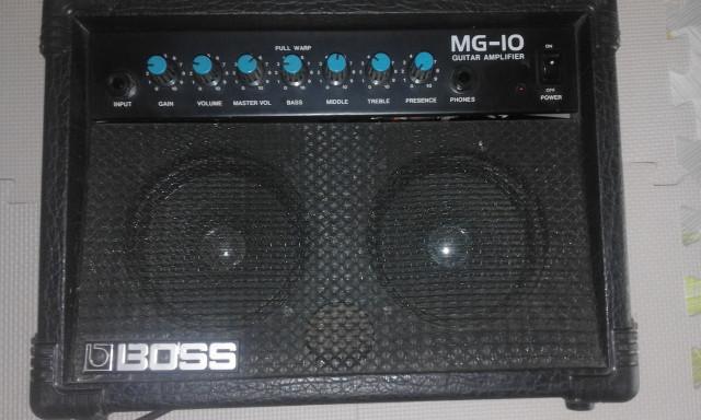 Amplificador de guitarra Roland MG-10