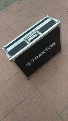 Flightcase Traktor S4