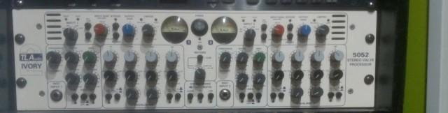 Previo TL Audio 5052