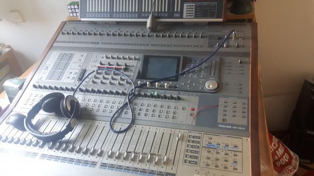 MESA DE MEZCLAS DIGITAL TASCAM DM 4800