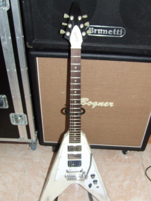 Vendo GIBSON FLYING V Special faded