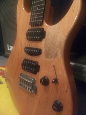 Vendo Guitarra Yamaha RGX 121 D