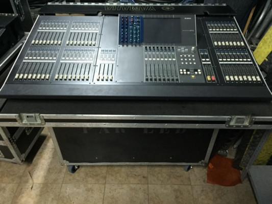 Vendo Yamaha M7CL48 canales con Flight case