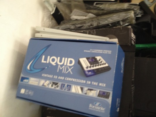 Focusrite  Liquid  MIX 32