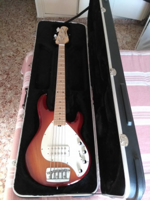 Bajo Music Man StingRay 5 MN Honey Blonde