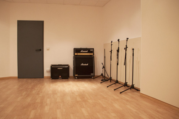 Productor Musical con estudio Profesional