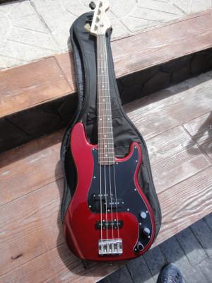 Bajo Squier P Bass