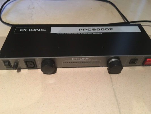 ESTABILIZADOR CORRIENTE PHONIC PPC9000E