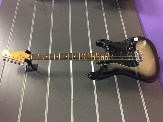 Fender Modern player Strat