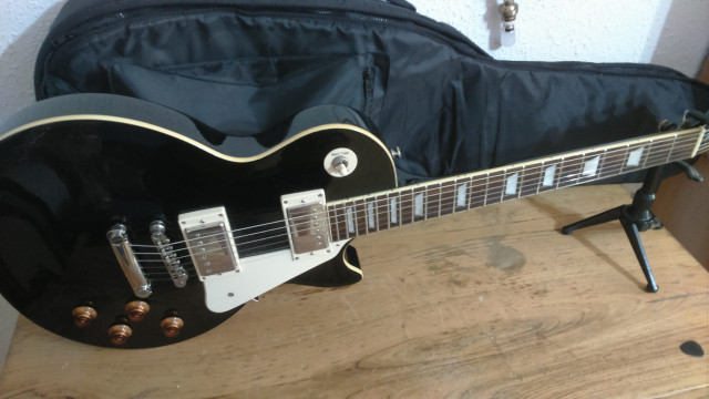 Guitarra EPIPHONE LP STANDARD EBONY