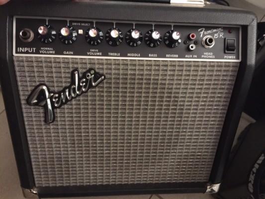 Amplificador Fender Frontman 15