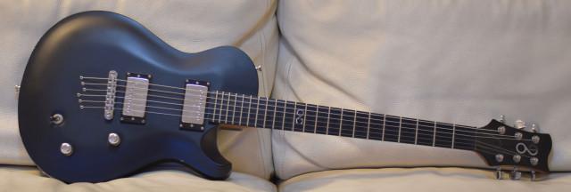 Guitarra de luthier Univers guitars STL BLACK HOLE
