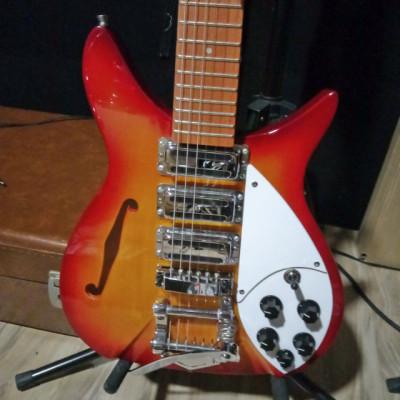 Guitarra Motherfucker, estilo rickenbacker 325 fireglo guitar.