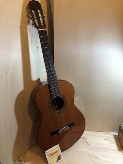 Guitarra ALHAMBRA 4C MUY POCO USO