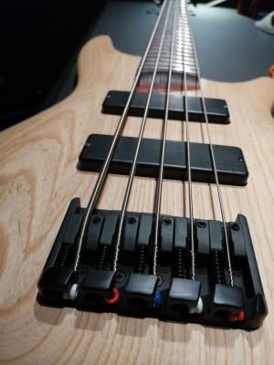 BAJO SR605 NTF 5 cuerdas
