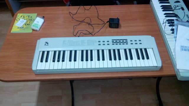 TRUST controlador MIDI