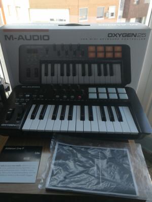 M-Audio Oxygen 25 con licencia de Ableton