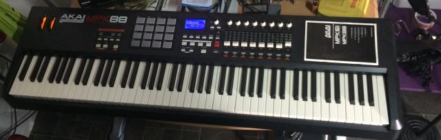 Akai mpk88 teclado mido