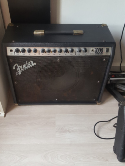 Fender rockpro 1000