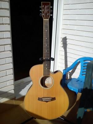 Guitarra electroacúsica Tanglewood