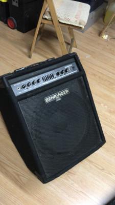 Cuña amplificador bajo behringer BXL3000