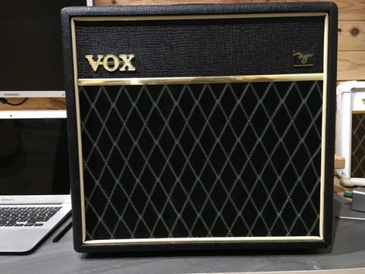 Vox Pathfinder 15R con la LED MOD