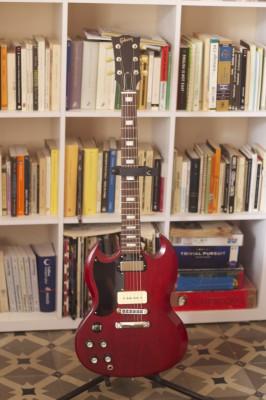 Gibson sg tribute70 2012 para ZURDOS con p90 en el puente