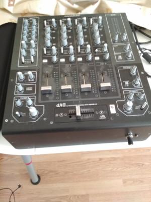 Mackie D.4 PRO Mesa de mezclas