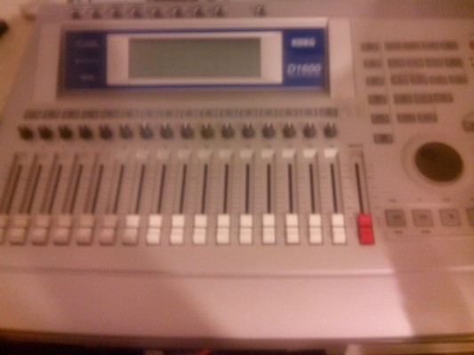 Korg D1600 grabador digital
