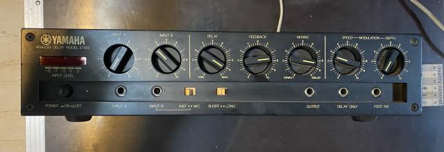 Delay Analógico Yamaha E1005