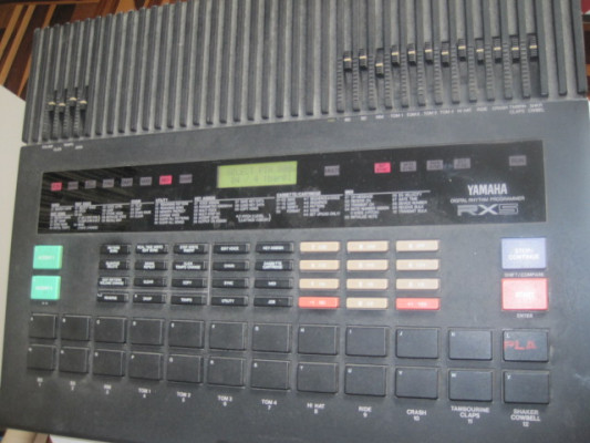 Caja de ritmos Yamaha RX5