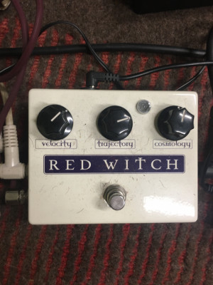 Pedal de modulación Red Witch