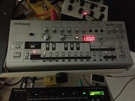 vendo TB -03 o cambio por bajo / guitara electrica o electribe