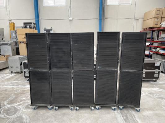 Vendo 2 Meyer Sound PSW-2
