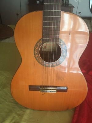 Guitarra Alhambra 1979