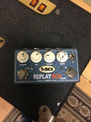 Delay estereo T-Rex Replay box