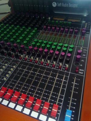 Consola Toft audio Designs Atb-08 M