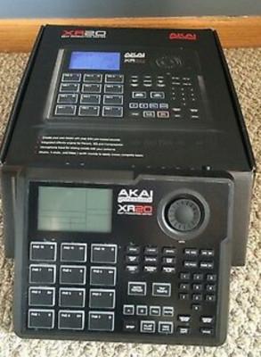 Akai xr20 caja de ritmos