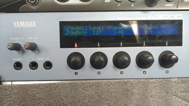 Sampler Yamaha A3000