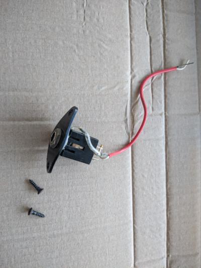 ENVIO INCLUIDO - conector jack con base de Yamaha RGX 421 DM año 95
