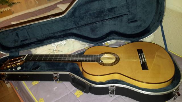 Guitara marca Paco de Lucia